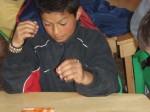 Adolescente jugando bingo