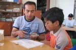 Niño en la nivelación; enseñanza 1:1