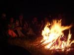 gemütliche Erfahrung am Lagerfeuer
