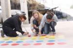 Die Volontäre malen mit grosser Kreativität