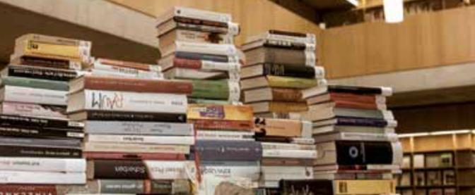 Bücherflohmarkt an der FHSG